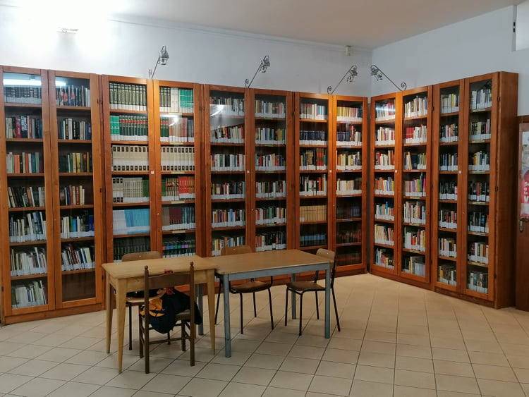 Biblioteca Alberti.