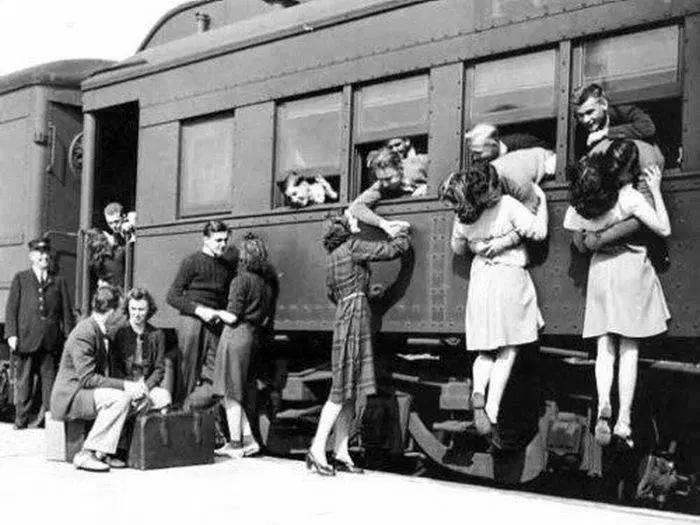 Fenomeno emigrazione post guerra, l'ultimo saluto.