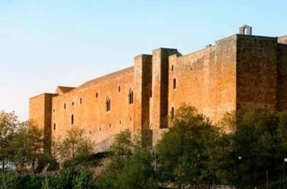 Castello di Lagopesole, luogo avvolto nella leggenda.