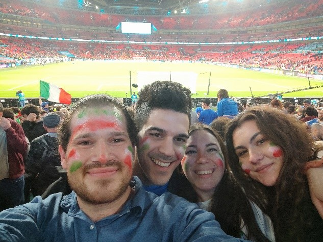 Salentini all'interno dello stadio di Wembley